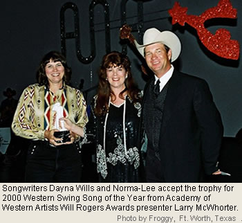 Dayna and Norma-Lee accept the award for Song of the Year
